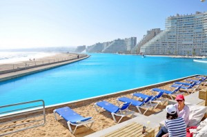 143_16-of-the-Most-Awe-Inspiring-Pools-In-the-World_2-f